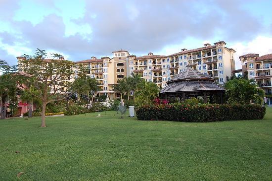 Sandals Grande Antigua Resort & Spa : vue du grand hôtel