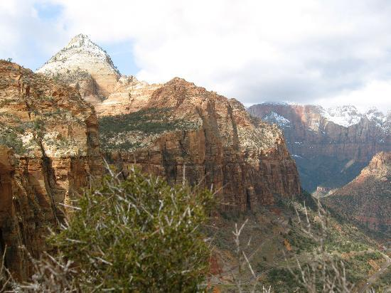 Harvest House Bed and Breakfast: Zion Canyon