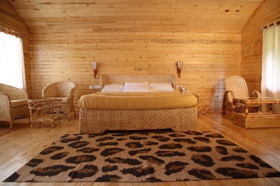 Surya Holidays Kodaikanal: Royal suite And pinus suite