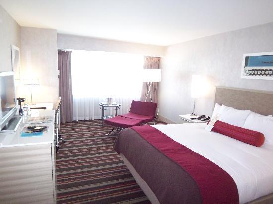 Hilton San Jose king bedroom - Picture of Hilton San Jose, San Jose ...