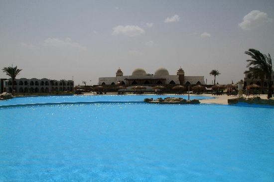 Gorgonia Beach Resort: piscine
