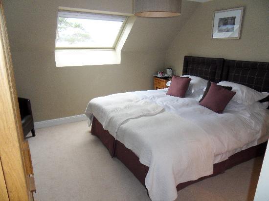 Balmacara Mains Guesthouse : Chambre 5 - Moderne et lumineuse