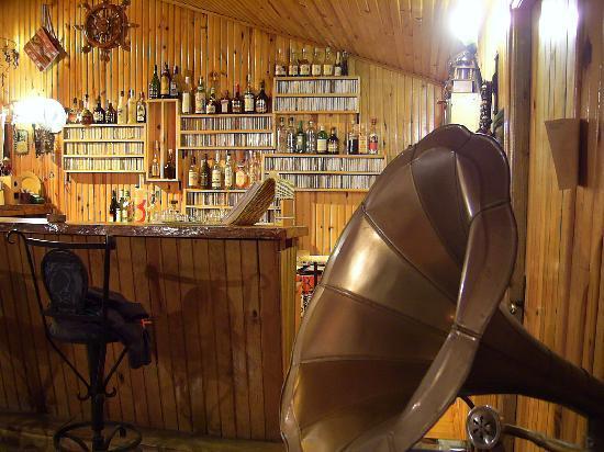 Kibala Hotel: Bar