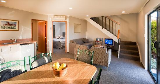 بريدان أكوموديشن: Downstairs in Family suite
