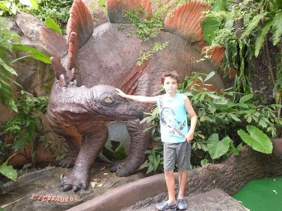 Karon, Thailand: Dinotastic!