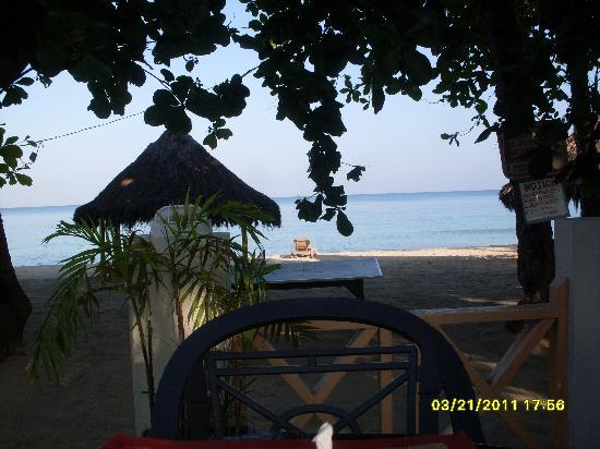 Coral Seas Garden: view of the beach from the restaurant