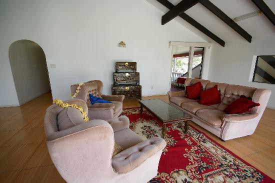'Utu'one Bed and Breakfast : Sitzgruppe in der oberen Etage