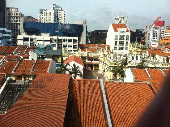 Hotel 81 Dickson: View over the mosque and rooftops