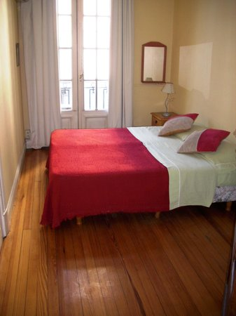 Republica San Telmo: Guesy House Double room  with balcony.