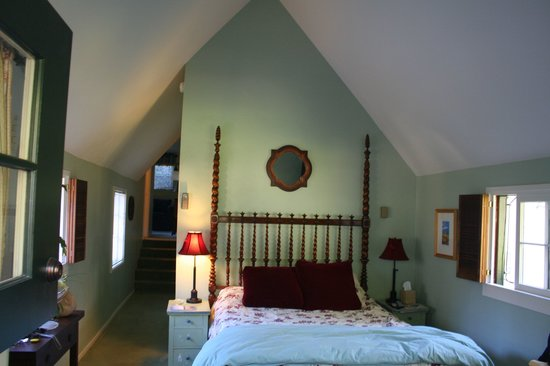 Edgemere Cottages: Inside the Picadilly Cottage