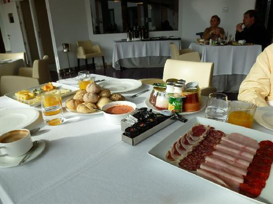 Hacienda Señorio de Nevada: Partial View of Breakfast!