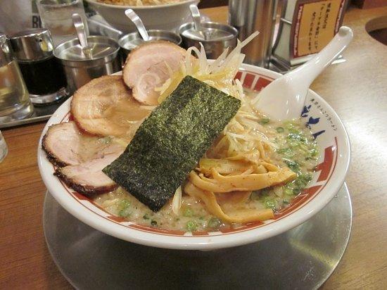 Tonchin: ramen with pork egg and mushrooms