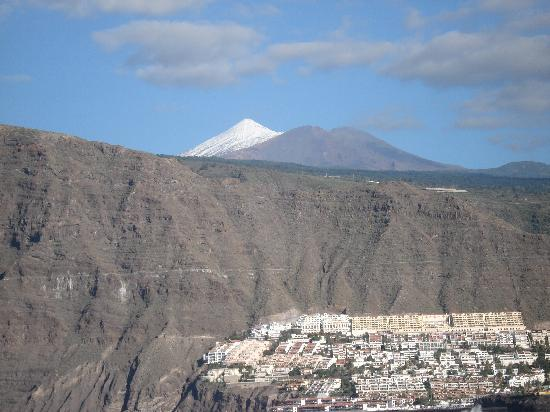 TRYP Tenerife: Teide with snow