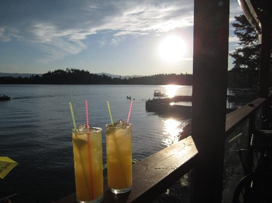 Islander Inn: mango mojitos at sunset