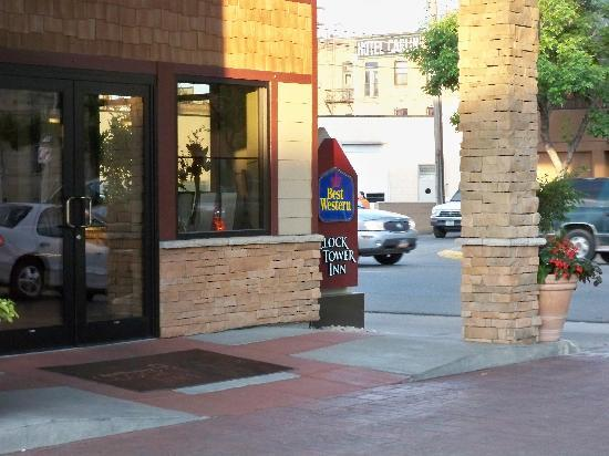 Best Western Plus ClockTower Inn: Entrance