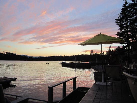 Islander Inn: Flathead at Sunset