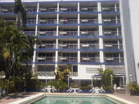 Auto Hotel Ritz Acapulco: Habitaciones con balcon Edificio 2.