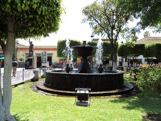 Tlaquepaque, Mexiko: El Centro (town center plaza)