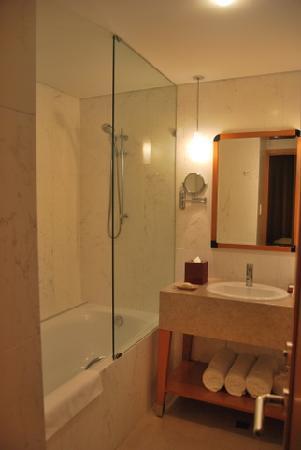 The Richardson Hotel & Spa: Bathroom