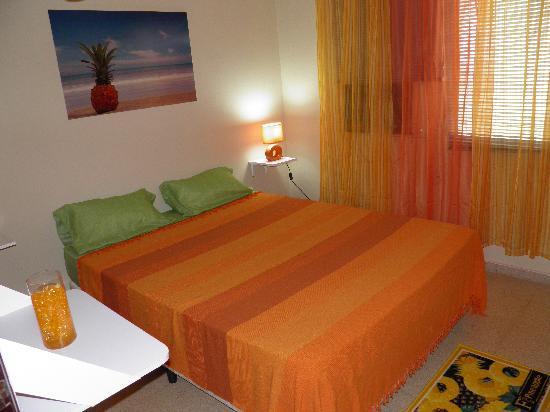 Mediterranean Dreams: Habitaciób Piña