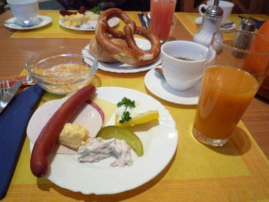 Germania Hotel: 朝食