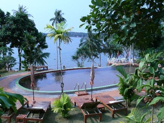 Koh Mak Buri Hut: Pool