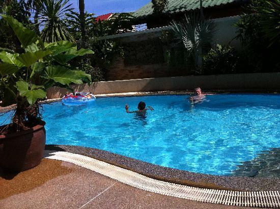 Palmview Resort Patong Beach: Nice pool
