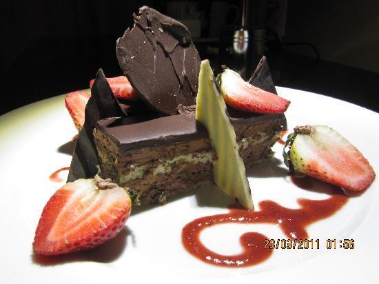 Pestana Caracas Premiun City & Conference Hotel: Complimentary desert on my birthday