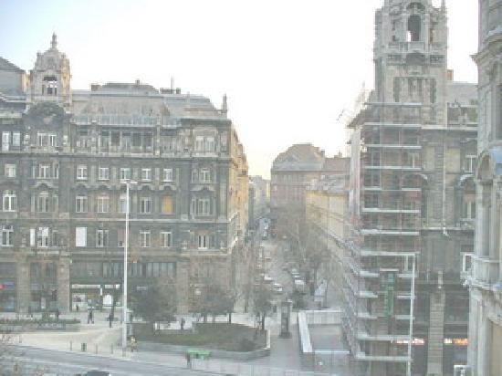 Ferenciek Tere Apartments: View from the Balcony
