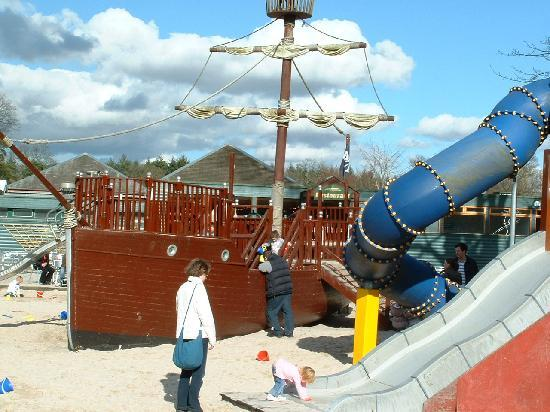 Blair Drummond Safari and Adventure Park: Pirate Ship