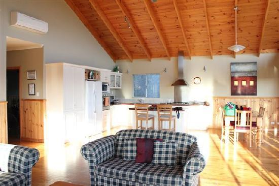 Cape Howe Cottages: The Wardroom