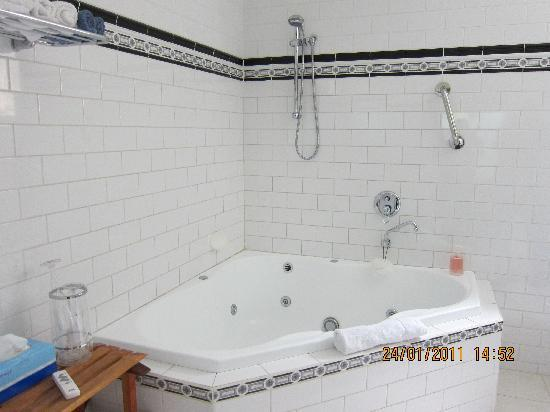 Cottages For Two : double spa!