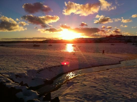 Commodore Hotel: snow in instow