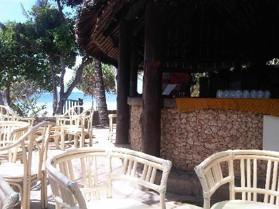 Kaskazi Beach Hotel: The view from the beach bar
