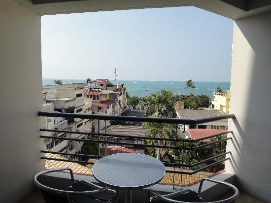 Sandy Spring Hotel: Balcony