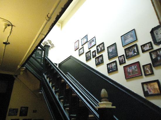 The International Cozy Inn: The stairs in the Cozy Inn