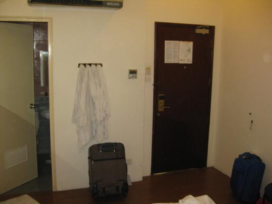 Regin Hotel: lots of space for luggages