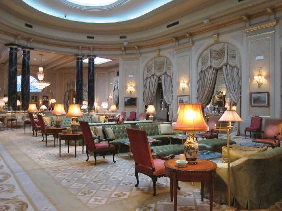 El Palace Hotel: Hotel Lounge Area