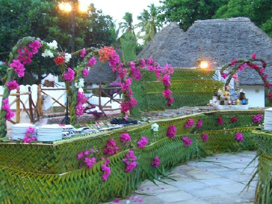 Diamonds Mapenzi Beach : decorazioni per cena in piscina