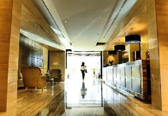 Dubai Marriott Harbour Hotel & Suites: Marriott Harbo Lobby