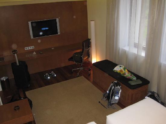 Dostyk Hotel: A room.