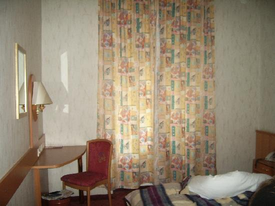 Hotel Admiral: La chambre
