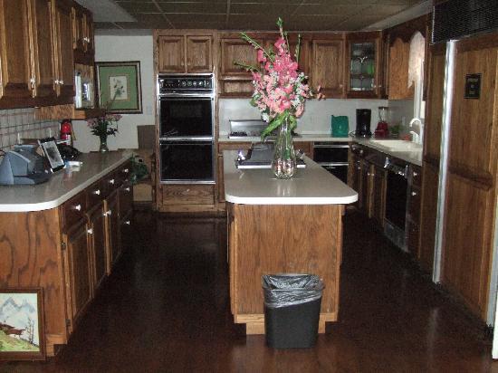 Southern Cross Ranch: Kitchen