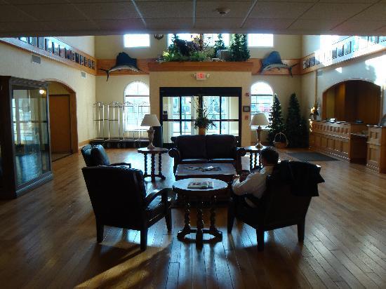 The Marv Herzog Hotel: Lobby & main entrance