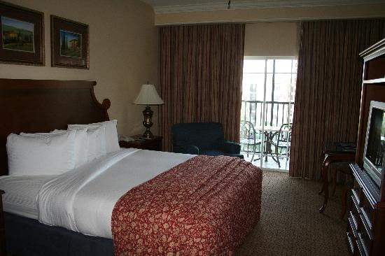 Hilton Grand Vacations at Tuscany Village: Jacuzzi in Master Bedroom (1 or 2 bdr)