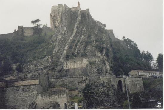 """Sisteron, France: La vista da """"giù"""""""
