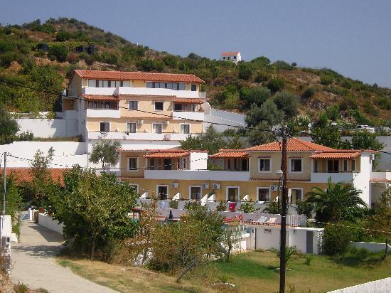 Zorbas In Town Family Studios: apartments