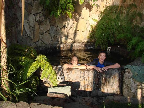 Laguna Lodge Eco-Resort & Nature Reserve: Hot Tub