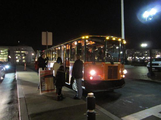 Washington Dc Old Town Trolley Tours Review