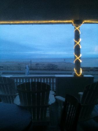 Isabelle's Beach House: Evening view off deck